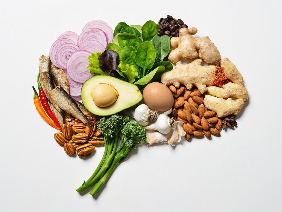 Táplálkozás: mit együnk és mit kerüljünk el? | aknéra hajlamos bőr | Eucerin