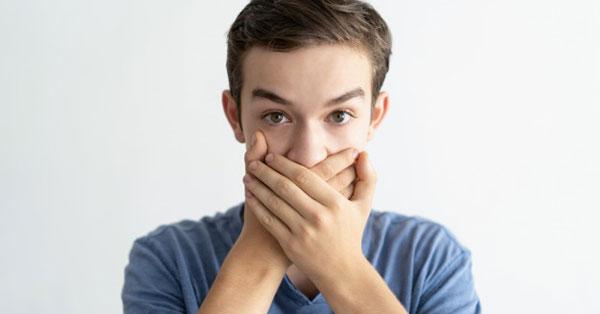 rossz lehelet acetonnal a férfiaknál pszichoszomatikus szájszag