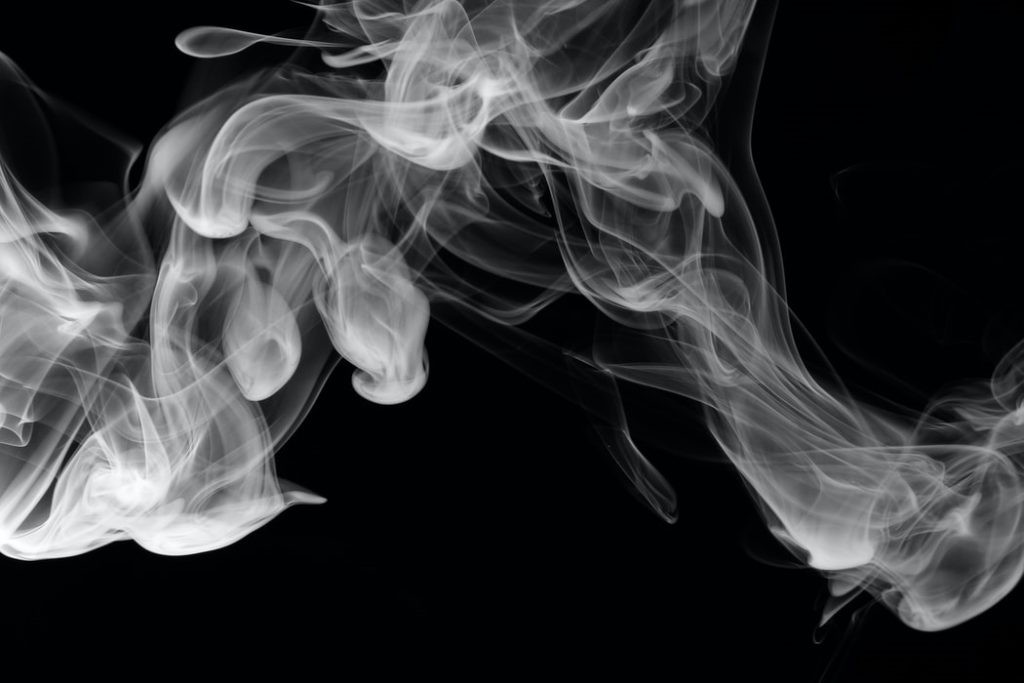 szaga a dukán felett)